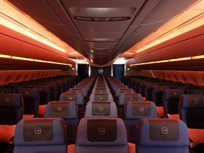 Lufthansa A350-900 - Worldwide Debut for Innovative Lighting Technology