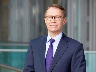 Lufthansa Aufsichtsrat bestellt VorstandsmitgliedUlrik Svensson für weitere drei Jahre