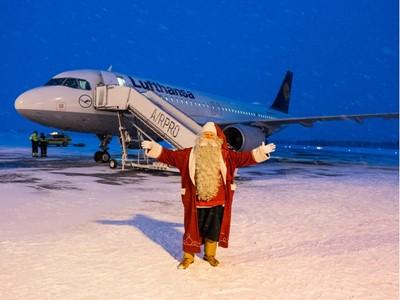 Der Weihnachtsmann beginnt seine Reise mit Lufthansa