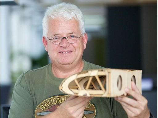 Ludolf Ungerer hat eine Mission: alte Flugzeuge wieder in die Luft zu bringen