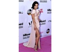 Stars Shine on Billboard Music Awards Red Carpet in Las Vegas