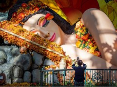 Bellagio Celebrates Fall with Greek Myth-inspired Floral Display