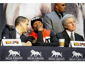Mayweather with Showtime and MGM execs 5