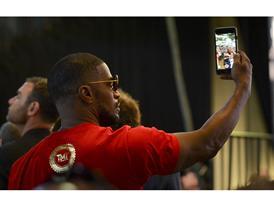 Jamie Foxx selfie 1523