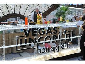 Vegas Uncork'd ice sculpture