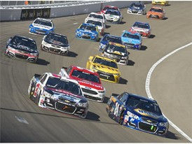 Keselowski Breaks Losing Streak with Kobalt 400 Win in Las Vegas