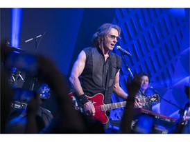 Rick Springfield performs during Las Vegas Preview Lunch at MPI WEC 2016