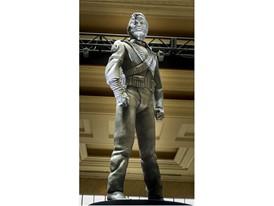 Michael Jackson HIStory Statue