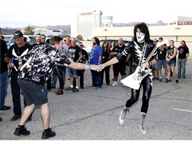 Fans prepare for Kiss concert