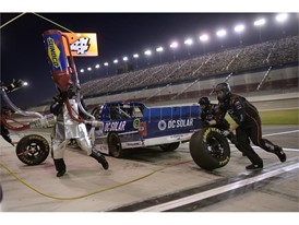 Christopher Bell's crew changes tires