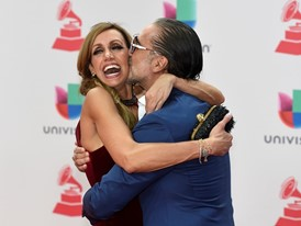 Stars Shine on Latin Grammy Red Carpet