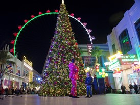 the LINQ's annual tree lighting ceremony