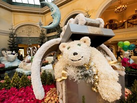 "Bears made of white carnations decorate the Bellagio Conservatory and Botanical Garden ""Holiday Glamour"""