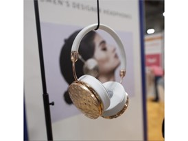 Fashion headphones with parts that can be swapped out for different looks from Dutch start-up Frends