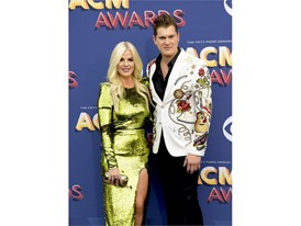 Jon Pardi and girlfriend Summer Duncan
