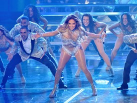Jennifer Lopez Performs at Planet Hollywood