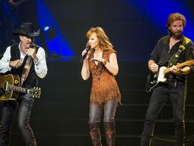 "Reba, Brooks & Dunn ""TOGETHER IN VEGAS"" at The Colosseum at Caesars Palace"