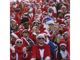 Santa Run Crowd