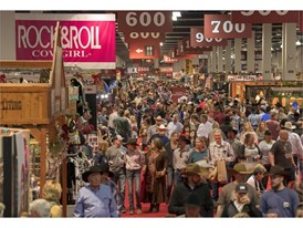 Crowds fill Cowboy Christmas