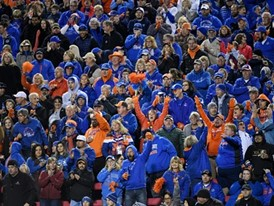 Boise State Broncos fans cheer