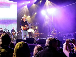 Alan Jackson Rides 'Honky Tonk Highway' into Laughlin