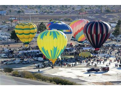 Hot Air Balloons Fill Mesquite Skies for Annual Festival, Jan. 23 – 24