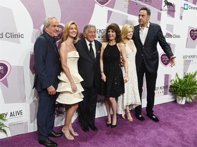 Red Carpet: Celebrities Turn Out for Salute to Tony Bennett in Las Vegas