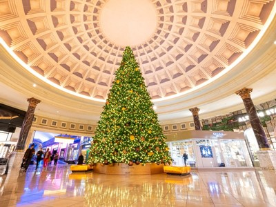 Las Vegas Decks the Halls for The Holiday Season