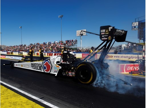 Antron Brown smokes his tires