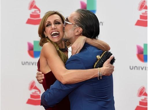 Alejandro Fernandez kisses Lili Estefan