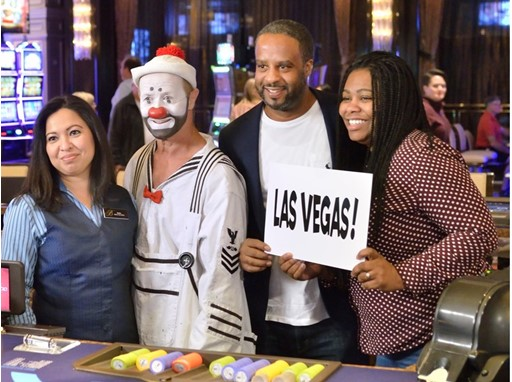"Clown from ""O"" by Cirque du Soleil surprises guests and Las Vegas employee with time off and free trips"