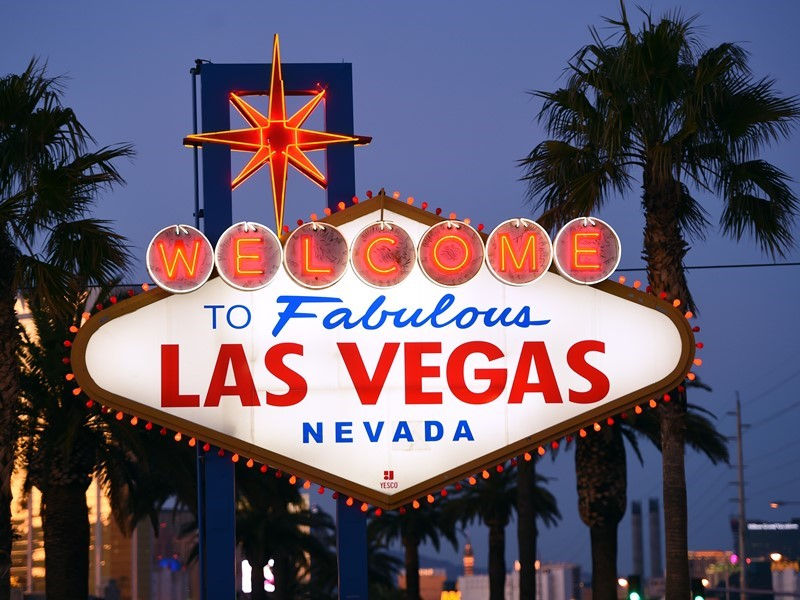 73a7851d588e0c Las Vegas Celebrates the Season with Black Friday and Cyber Monday Specials