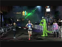 Photo Highlights: 45,000 Join Las Vegas Rock 'n' Roll Marathon