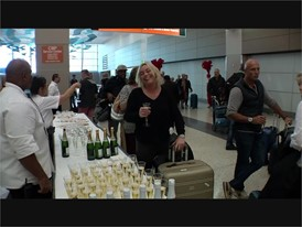 Passengers from Oslo, Norway Arrives in Las Vegas After First Direct Flight