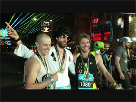 """Elvis lives"" Runner Dressed as Elvis Wins the Las Vegas Marathon!"
