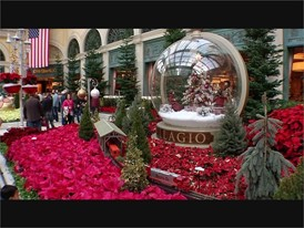 Bellagio Holiday Decor