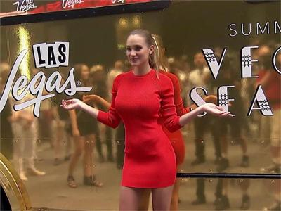 Las Vegas Ice Dream Truck Takes Over Times Square With Help From Model Hannah Davis and Star Chef Ralph Scamardella