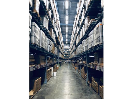 Both e-commerce and stationary retailers are supplied from large central warehouses