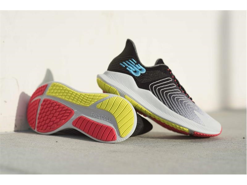 new balance fuelcell propel