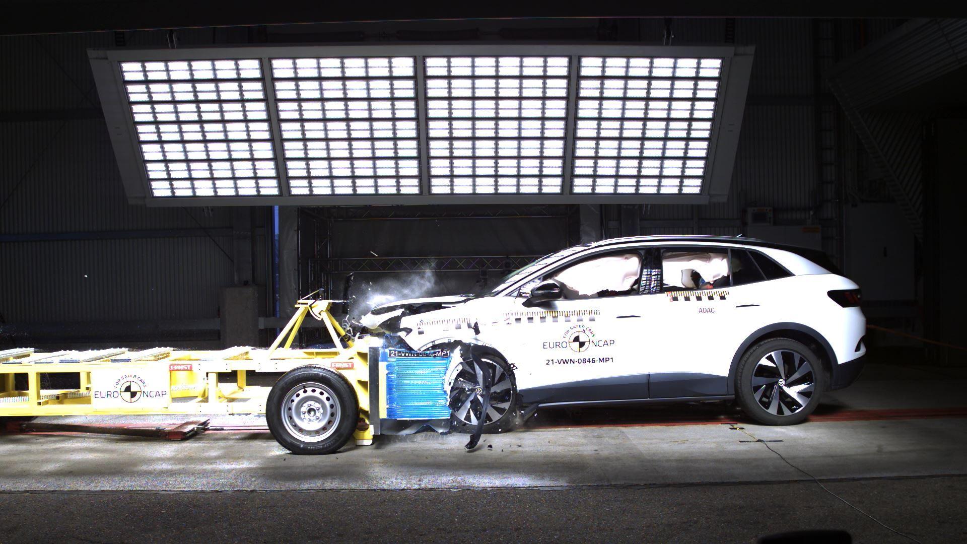 VW ID.4 - Mobile Progressive Deformable Barrier test 2021
