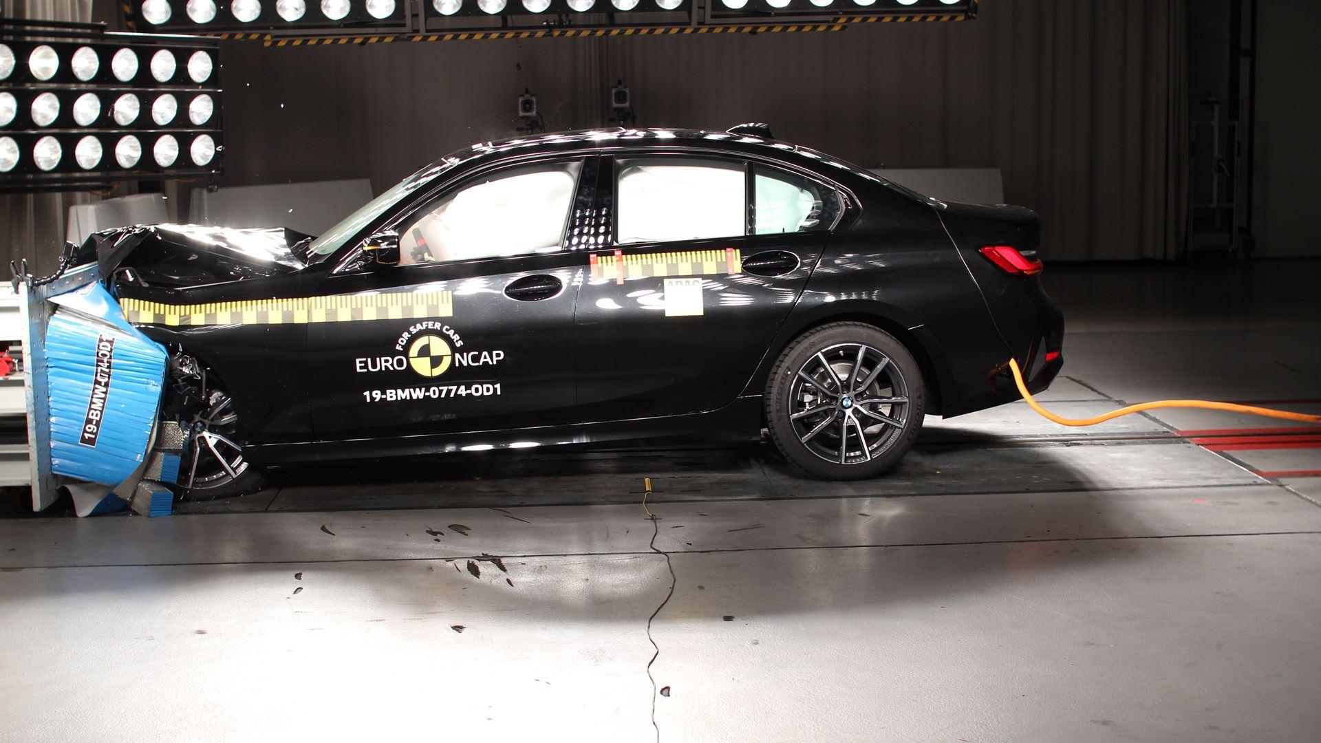 BMW 3 Series - Frontal Offset Impact test 2019