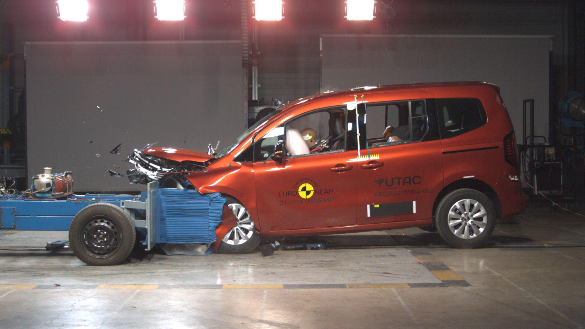 Renault Kangoo - Mobile Progressive Deformable Barrier test 2021