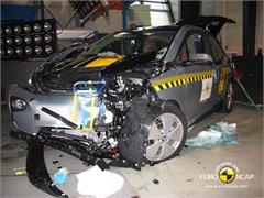 BMW i3 - Crash Tests 2013