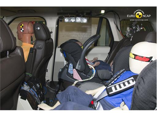Range Rover Child Rear Seat crash test 2012