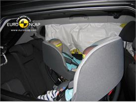 Kia Venga – Child Rear Seat crash test