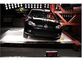 VW Golf Cabriolet – Pole crash test