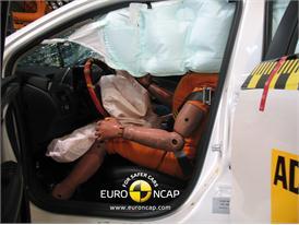OPEL Ampera – Driver crash test
