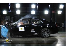 Lancia Thema - Front crash test