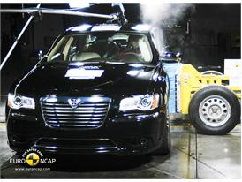 Lancia Thema - Side crash test