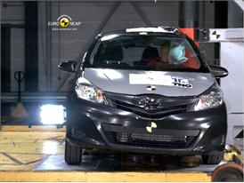Toyota Yaris – Pole Crash Test
